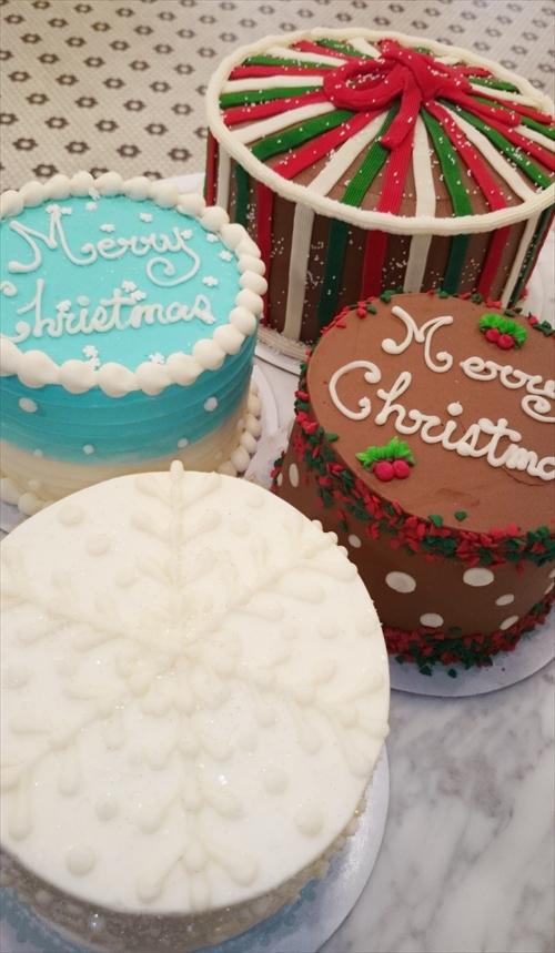 Magnolia Bakery Christmas Cakes-2