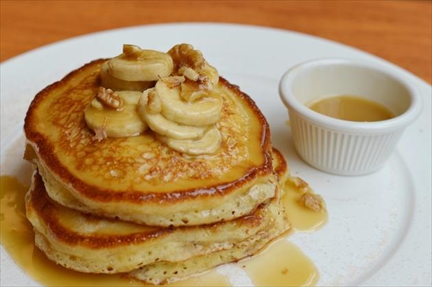 clinton-street-baking-pancake-1