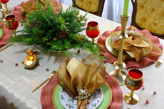 tbs-housing-event-201612-christmas-table-1